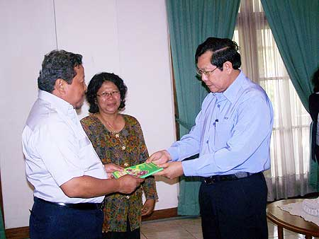 Serah Terima Buku Universitas Bangka Belitung dengan PT. Timah Tbk